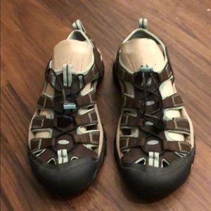 Keen water sandals size 8.5